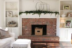 Holiday Housewalk~ ya'll come on in! » simple thoughts from Paige Knudsen Photography - I love the simplicity and subtlety of the Christmas decorations in this photo