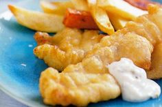 National Dish of United Kingdom: Beer Battered Fish n' Chips - okay technically these days its Chicken tikka masala. now whilst thats certainly progressive, its not historical. So I'm going to do both recipes Crispy Fish Batter, Fish Batter Recipe, Beer Battered Fish, Fried Fish Recipes, National Dish, Australian Food, Chicken Tikka, Fish And Chips, Snacks