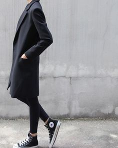How To Wear Black Converse High Tops Minimal Chic 35 Ideas Fashion Week, Look Fashion, Womens Fashion, Looks Jeans, Basket Mode, Inspiration Mode, Mode Style, Style Blog, Looks Style