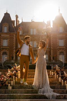 French castle elopement ceremony inspiration | Image by Through The Glass Paris Wedding Locations, Wedding Venues, Wedding Blog, Destination Wedding, Paris Elopement, French Castles, Old World Charm, Couple Photos, Elegant