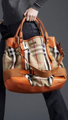Shop men's bags from Burberry, a runway-inspired collection featuring briefcases and backpacks, as well as crossbody and tote bags for men. Moda Casual, Bowling Bags, Burberry Women, Burberry Handbags, Burberry Bags, Burberry Prorsum, Purses And Handbags, Mk Handbags, Designer Handbags