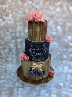 Rustic Chalkboard Wedding Cake - Cake by The Crafty Kitchen - Sarah Garland - CakesDecor (quinceanera food) Wedding Cake Rustic, Rustic Cake, Wedding Cakes, Rustic Birthday Cake, Wedding Fayre, Bolo Chalkboard, Chalkboard Wedding, Cute Cakes, Pretty Cakes