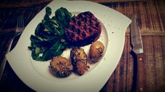 Filet beef with grilled potatoes and fresh simple salad