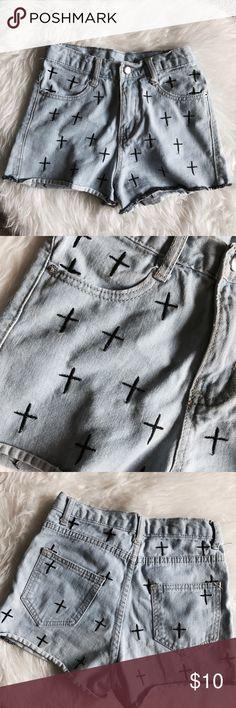 • H&M Jean Cross Shorts size 26 • Super cute women's light wash denim shorts with black crosses. Size 26. H&M brand. No flaws H&M Shorts Jean Shorts