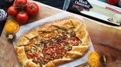 MasterChef Canada - Tomato galette with Black Diamond Extra Old Cheddar Cranberry Orange Bread, Vegetarian Recipes, Cooking Recipes, Tv Chefs, Tomato And Cheese, Breakfast Bites, Veggie Dishes, Light Recipes, Main Meals