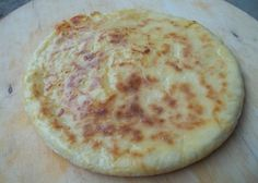 khachapuri-with-potato-ready-for-serving