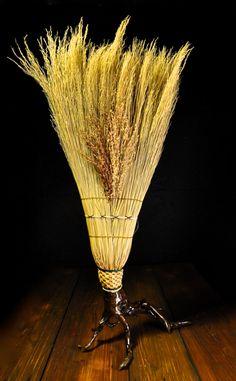 HANDMADE CRAFTED APPALACHIAN BROOM CORN SCULPTUREby Mark Hendry for Organic Artist Tree