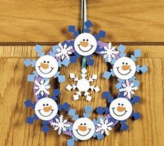25 creative ideas _________________________________________________ Try to do it O Christmas Paper, Winter Christmas, All Things Christmas, Christmas Wreaths, Christmas Decorations, Christmas Ornaments, Diy And Crafts, Crafts For Kids, Paper Crafts