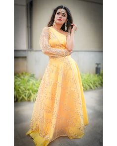 Image may contain: one or more people and people standing Indian Wedding Outfits, Indian Outfits, Girl Photo Poses, Girl Photos, Indian Designer Outfits, Designer Dresses, Stylish Dresses, Fashion Dresses, Lehnga Dress