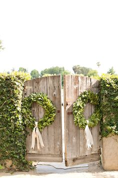 Wedding Venue Decor Idea: Gorgeous Wreaths to Adorn Your Venue Doors