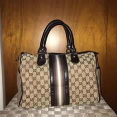 """""""Boston"""" fashion bag - Not Authentic A very stylish bag, I barely used it and it's in great condition except there's a little defect on the inside as you can see on the last picture. Not noticeable from the outside. It's not authentic!! It has one zipper on the inside and 2 pockets on the sides. No trades! Bags"""