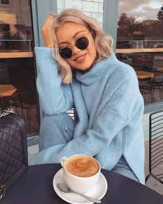 Winter Outfit Ideas Source by spulsifer fashion idea Winter Fashion Outfits, Fall Winter Outfits, Look Fashion, Autumn Winter Fashion, Trendy Outfits, Cool Outfits, Laura Jade Stone, Foto Casual, Brown Blonde Hair