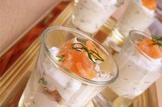 Verrines de saumon fumé, ricotta, ciboulette et aneth