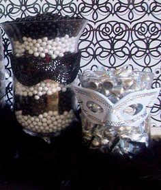 poca cosa: Masquerade Candy Bar