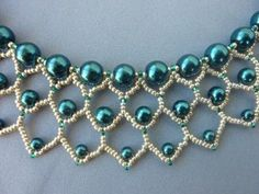 FREE beading pattern for Pearl Petals necklace - BeadDiagrams.com