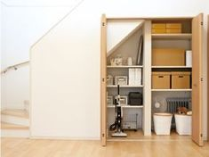 Muji Home, Industrial Kitchen Design, Cheap Houses, Japanese Interior, Stair Storage, House Stairs, Shelf Design, Under Stairs, House Made