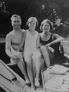 F. Scott, Scottie and Zelda Fitzgerald - 1931 - Out boating