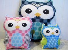 PETUNIAS' Owl Pillow