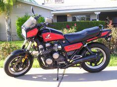 Honda Nighthawk S - red.I miss my motorcycle. Honda Nighthawk, Honda Cbx, Dual Sport, Vintage Bikes, Street Bikes, Sport Bikes, Custom Bikes, Scooters, Motorbikes