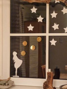 """... oder """"Das Fenster in der Übergangsphase"""" ;-)   Dass wir unser Esszimmerfenster sehr gerne dekorieren,  wisst Ihr ja inzwischen sicher ..."""