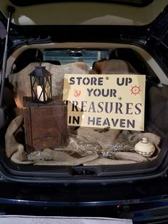 Pirate Theme Church Trunk or Treat Store up your treasures in Heaven. Halloween Car Decorations, Halloween Treats, Halloween Fun, Halloween Pictures, Trunk Or Treat, Trunker Treat Ideas, Fun Ideas, Party Ideas, Christian Halloween