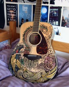 Ghibli guitar: Howl's Moving Castle, Princess Mononoke, Ponyo, Spirited Away. Behold the DIY result of fine point colored Sharpie markers and actual artistic talent! Totoro, Arte Sharpie, Acoustic Guitar Art, Ukulele Art, Violin Art, Ukulele Chords, Cello, Guitar Painting, Guitar Drawing