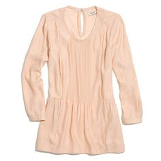 Madewell+-+silk+etude+blouse   -   Love the color of this silk and the overall romantic style