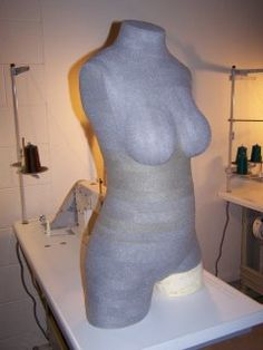 Make Your Own Body Form « Pattern School. this site has tons of info on stretch-fit sewing.