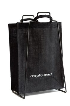 Good looking bag for newspapers and bottles | Everyday Design