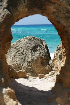 Corsica - Plages de Corse du Sud - La plage de Cala d'Orzu est l'une des plus belles plages sauvages de la Corse.(Coti-Chiavari)
