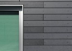 Detail of a facade clad with Öko Skin GFRC panels Modern Exterior, Exterior Design, Interior And Exterior, House Siding, Facade House, External Cladding, Cladding Materials, Architectural Materials, Reinforced Concrete