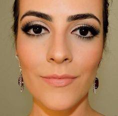 Maquiagem feita pela blogueira @porelas usando os produtos de pele da linha HD da NYX