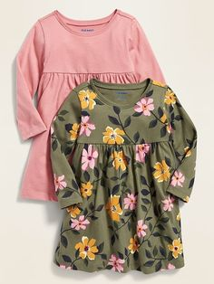 The baby girl clothes collection at Old Navy has all the latest styles and essentials for your baby girl including onesies, PJs, and playsets. Toddler Boy Fashion, Baby Girl Fashion, Toddler Girl, Kids Fashion, Outfits Niños, Kids Outfits, Baby Outfits, Baby Girl Jeans, Girls Clothes Shops