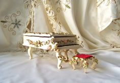 Vintage Grand Piano Music Box with Piano Stool by cynthiasattic, $39.00