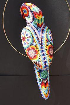 Huichol parrot - impresionante