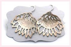 Protea Earrings by Janine Binneman Jewellery Design African Safari, Silver Jewelry, Jewelry Design, Drop Earrings, Jewels, My Love, Jewellery, Floral, Pretty