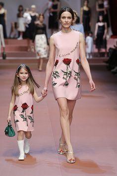 Watch the Dolce & Gabbana Mamma Fashion Show Fall Winter 2015 Collection Milan Fashion Week. Shop Mini Me Fashion Baby, Boys & Girls Online Ships Worldwide. Women's Fashion Dresses, Skirt Fashion, Dress Outfits, Girl Outfits, Casual Outfits, Fashion Kids, Fashion Show, Diy Fashion, Womens Fashion