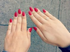 Anyone looks good with sexy red nails
