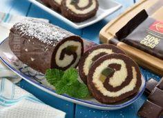 Rulada de biscuiti cu ciocolata – reteta video Dessert Recipes, Yummy Recipes, Biscuits, Deserts, Muffin, Pudding, Yummy Food, Sweets, Breakfast