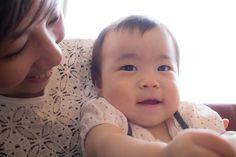 """""""MEI♡""""  17.Aug.2014  8/14空港にて〜やっと会えたぁ〜♪  ママ以外にはなかなか気を許さないMEI! 可愛いぃ♡"""