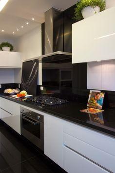 Kitchen Room Design, Modern Kitchen Design, Home Decor Kitchen, Kitchen Furniture, Modern Kitchen Tables, Modern Kitchen Interiors, Window Seat Kitchen, Beautiful Kitchen Designs, Küchen Design