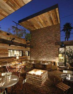 ++Outside at Gjelina, my favorite restaurant in the country in Venice, California