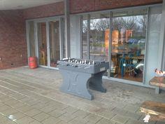Tafelvoetbaltafel van beton Antraciet bij CBS De Opdracht in Ureterp