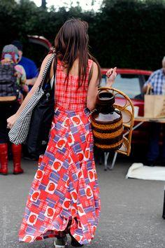 London – Street Life.#woman #women #Fashion, #London,  #England, #UK, #Moda, #Mode, #Pattern #Print, #Street, #StreetStyle, #Style,  #Woman Photo © Wayne Tippetts
