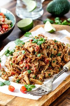 Slow Cooker Mexican Chicken http://www.changeinseconds.com/slow-cooker-mexican-chicken/ #paleo