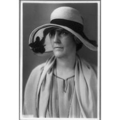 Lou Henry Hoover hat Herbert President wife First Lady United States Us First Lady, Presidents Wives, Herbert Hoover, History Photos, Hats For Women, American History, Famous People, United States, Pizza Sign