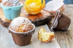 Muffin semplici, facili e veloci, ricetta senza robot, si preparano con un cucchiaio in 5 minuti, dolci da merenda o colazione, senza burro e uova.