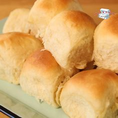 Soft and Buttery Yeast Rolls. They never fail to make huge, tall, soft, fluffy and buttery rolls. Prep time includes kneading and rising time. Homemade Yeast Rolls, Homemade Dinner Rolls, Dinner Rolls Recipe, Homemade Breads, School Rolls Recipe, No Yeast Rolls, Soft Rolls Recipe, No Yeast Dinner Rolls, Fluffy Dinner Rolls