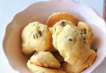 Scones, Chocolate Chip Cookies, Truffles, Muffin, Sweets, Baking, Vegetables, Breakfast, Recipes