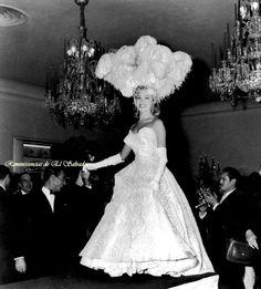 MISS UNIVERSO, 2º LUGAR. 1955. EL SALVADOR: FOTOGRAFÍAS DE MISS UNIVERSO 2º LUGAR , 1955